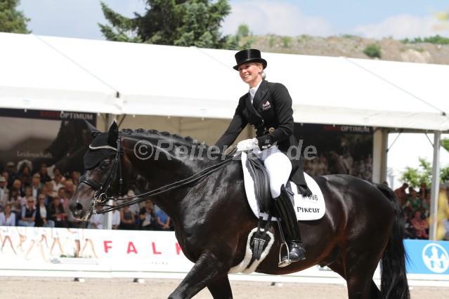 Jessica Von Bredow Werndl Reiterzeitde