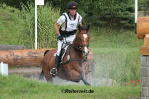 Peter Thomsen u. Horseware´s Barny (in Schenefeld 2013)